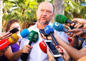 El PSOE andaluz se alinea con la Junta para reclamar más atención a los menores migrantes
