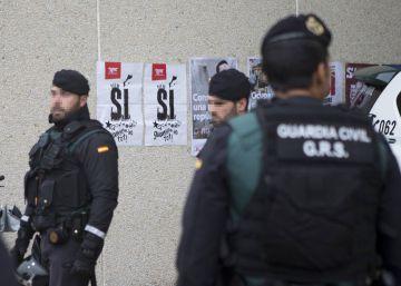 La Guardia Civil ordena a sus agentes que permanezcan en Cataluña y suspende los traslados