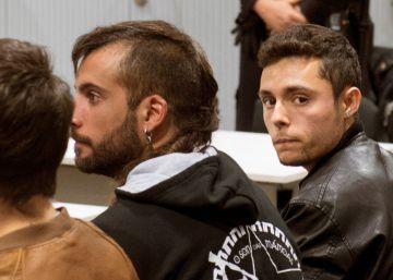 La Audiencia rebaja la pena por enaltecimiento del terrorismo a los raperos de La Insurgencia