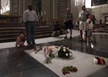 El Gobierno recurre al Vaticano para no enterrar a Franco en La Almudena