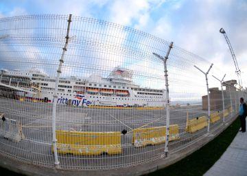 Santander blinda su puerto contra los polizones albaneses