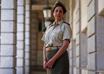 Defensa convoca por primera vez a una mujer para el curso de ascenso al generalato