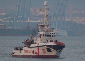 El Open Arms recibe permiso para llevar material humanitario a las islas griegas de Lesbos y Samos