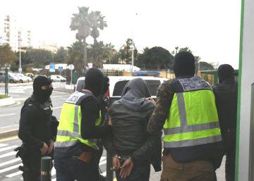 Detenido un hombre en Ceuta acusado de yihadismo que se defendió diciendo que veía porno