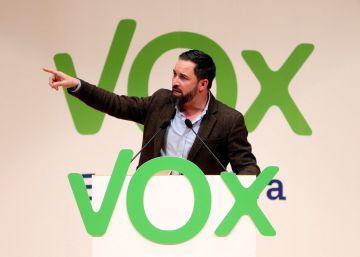 Militantes de Vox se rebelan contra la reforma de los estatutos impulsada por Abascal