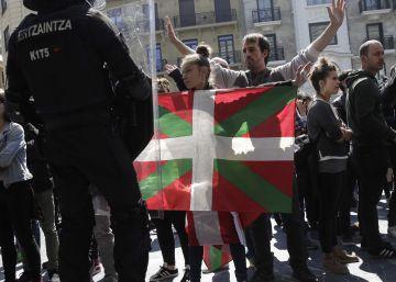 Grupos radicales hostigan los mítines de Vox en el País Vasco