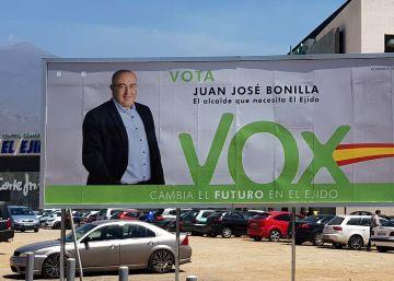 El candidato de Vox huérfano de un agricultor degollado, acusado de lucrarse con la inmigración