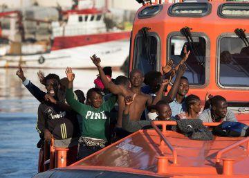 El Gobierno alcanza la meta de reducir a la mitad la inmigración irregular
