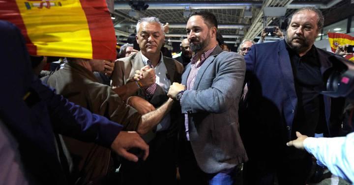 Vox inicia campaña en Cataluña a lomos del desafío secesionista