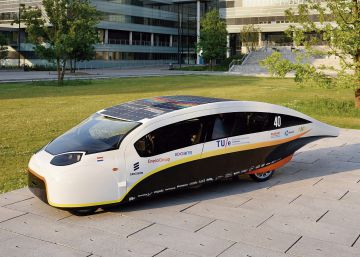 Los coches solares no terminan de encontrar su sitio