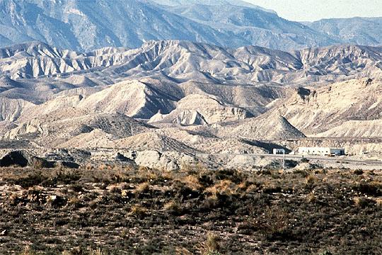 Vista general del desierto de tabernas en almer a for Casa rural jardin del desierto tabernas