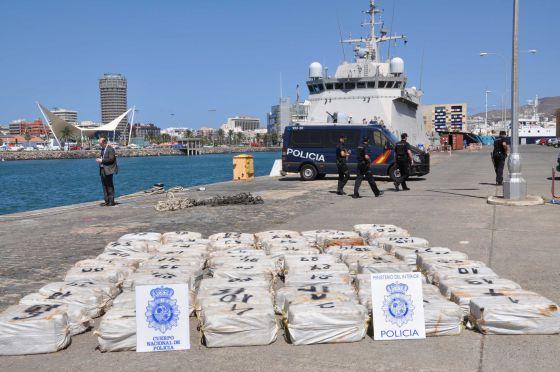 Interceptada una embarcación con 1.500 kilos de cocaína cerca de Canarias