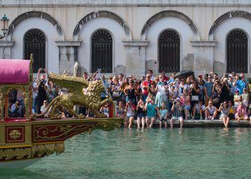 Venecia no quiere a los turistas tirados por los suelos