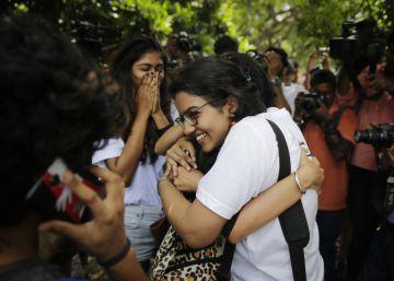 Un juzgado de India autoriza a una pareja de lesbianas a vivir juntas por primera vez en la historia del país