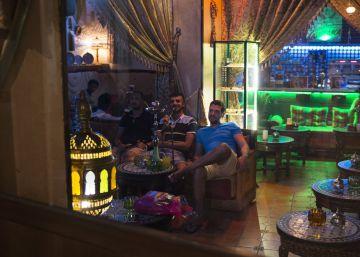 El humo vuelve a invadir algunos bares en España