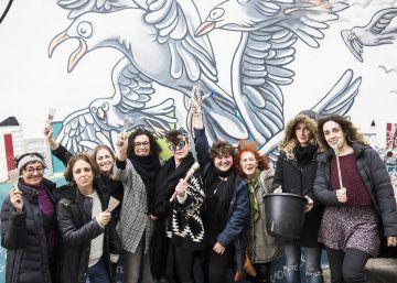 Descubre el oasis brasileño oculto en A Coruña. Los abrazos de sus vecinos lo hacen posible