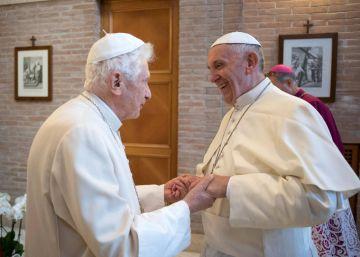 Ratzinger pide que se retire su nombre del libro que defiende el celibato
