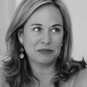 Entrevista con Elena Gómez del Pozuelo  a981be10736