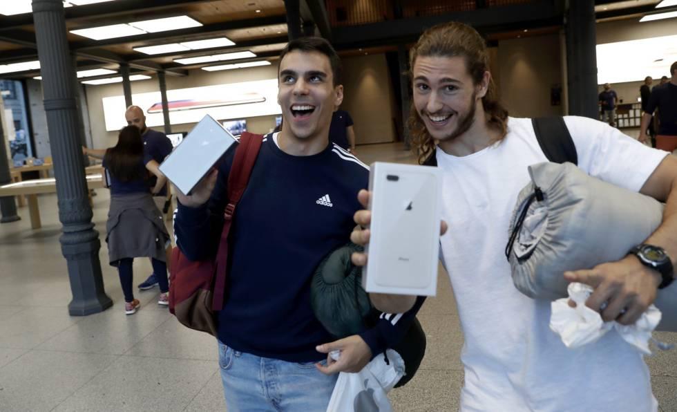 """""""Somos los pringados que no tiene dinero para un iPhone X"""""""