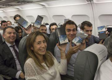 Samsung regala un móvil Note 8 a los 200 pasajeros de un vuelo de Iberia