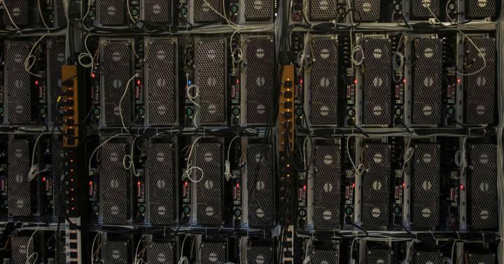 fabrica de bitcoin)