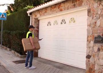 Correos ensaya un sistema para convertir los garajes en puntos de entrega de paquetes