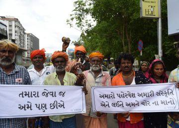 Whatsapp promete actuar contra las noticias falsas tras una serie de linchamientos en India