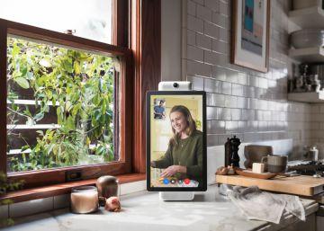 Facebook lanza un dispositivo de videollamadas
