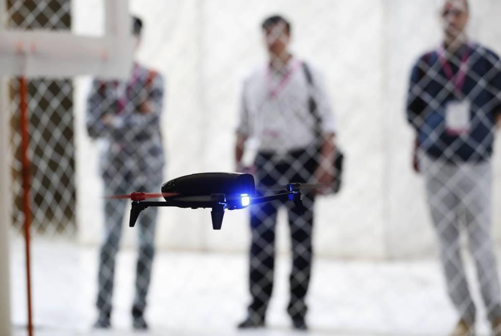 El desafío de hacer volar drones sin ayuda humana