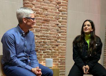 Tim Cook entra en persona en la promoción del altavoz de Apple
