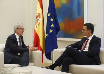 Tim Cook se reúne con Pedro Sánchez en su visita sorpresa a Madrid