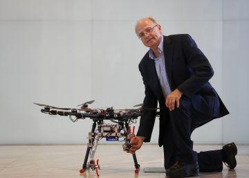 Drones con brazos para acabar con los accidentes de trabajos en altura