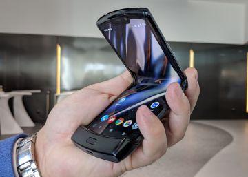 El mítico Motorola Razr vuelve con una pantalla plegable